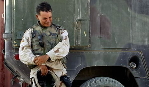 Iraq_soldier_weeping